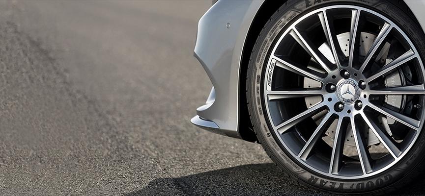 タイヤの空気圧?